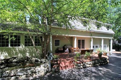 Franklin Single Family Home For Sale: 32334 Franklin Rd