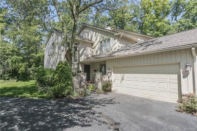 Bloomfield Hills Condo/Townhouse For Sale: 1356 Bramblebush Run