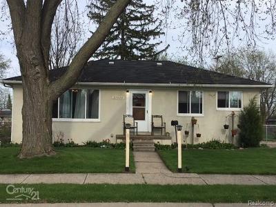 Roseville Single Family Home For Sale: 27534 Bohn St