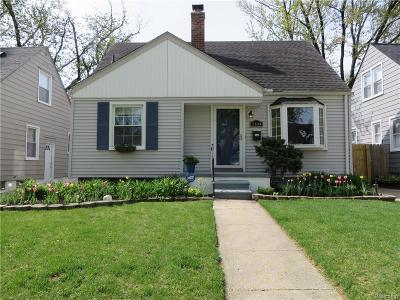 Royal Oak Single Family Home For Sale: 2104 Brockton Ave