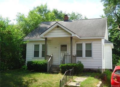 Pontiac Single Family Home For Sale: 606 E Mansfield Ave