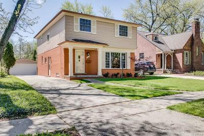 Huntington Woods Single Family Home For Sale: 10445 Elgin Ave