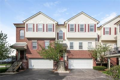 Royal Oak Condo/Townhouse For Sale: 2652 Crooks Rd