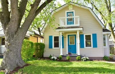 Madison Heights Single Family Home For Sale: 320 W Dallas Ave