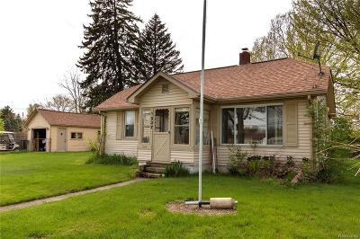 Pontiac Single Family Home For Sale: 1537 Telegraph Dr