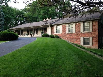 Bloomfield Hills Single Family Home For Sale: 232 Harlan Dr