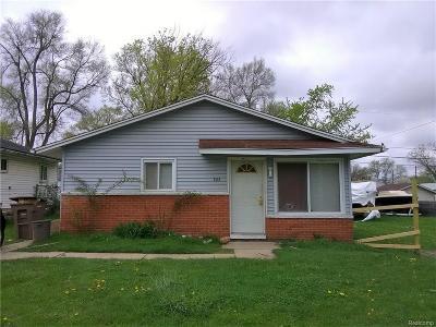 Pontiac Single Family Home For Sale: 703 Blaine Ave