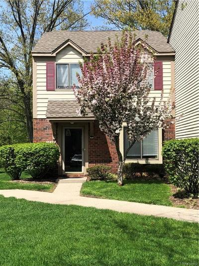 Rochester Hills Condo/Townhouse For Sale: 1638 River View Dr