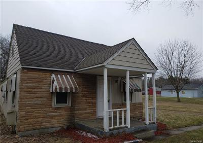 Clarkston Single Family Home For Sale: 9356 Ortonville Rd