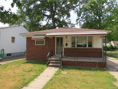 Hazel Park Single Family Home For Sale: 576 E Coy Ave