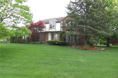 Farmington Hills Single Family Home For Sale: 38275 Fleetwood Dr