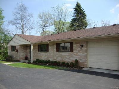 Bloomfield Hills Condo/Townhouse For Sale: 164 E Hickory Grove