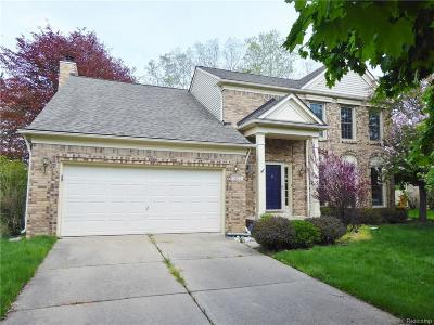 West Bloomfield Single Family Home For Sale: 1821 Midchester Dr