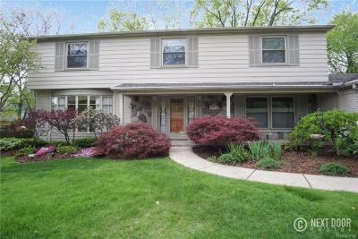 Farmington Hills Single Family Home For Sale: 29915 Muirland Dr