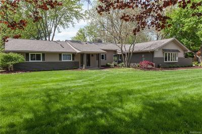 Bloomfield Hills Single Family Home For Sale: 7284 Mohansic Dr