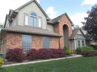 Farmington Hills Single Family Home For Sale: 28284 Golf Pointe Blvd