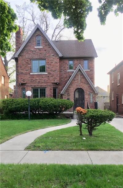 Detroit Single Family Home For Sale: 17205 Santa Barbara Dr
