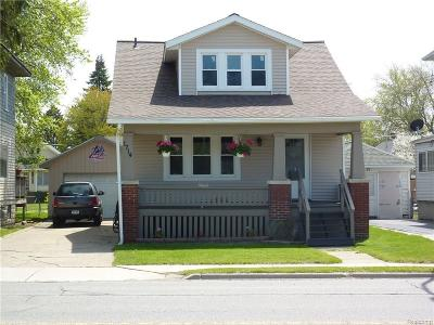 St. Clair Single Family Home For Sale: 1714 Lapeer Ave