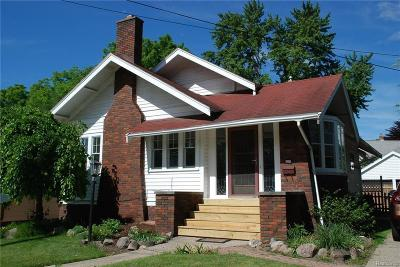 Plymouth Single Family Home For Sale: 225 N Mill St