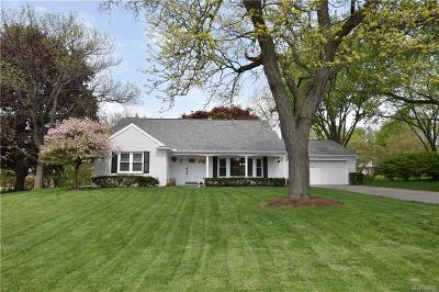 Bloomfield Hills Single Family Home For Sale: 467 Henley Dr