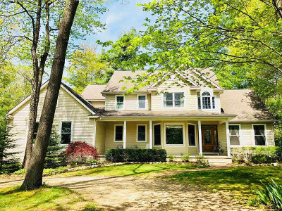Lapeer Single Family Home For Sale: 2220 Pheasant Ridge