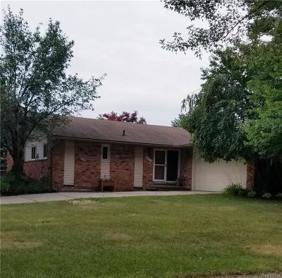 Livonia Single Family Home For Sale: 36471 Gardner St
