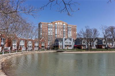Detroit Condo/Townhouse For Sale: 250 E Harbortown Dr