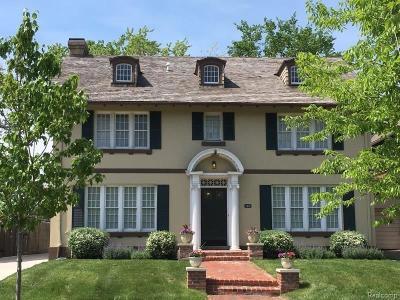 Detroit Single Family Home For Sale: 874 Virginia Park St