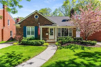 Grosse Pointe Farms Single Family Home For Sale: 290 Mount Vernon Ave