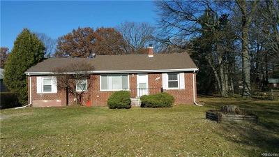 Southfield Single Family Home For Sale: 20920 Westhampton Ave