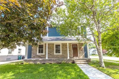 Royal Oak Single Family Home For Sale: 902 Woodsboro Dr