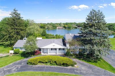 Bloomfield Hills Single Family Home For Sale: 6765 Meadowlake Rd