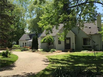 Livonia Single Family Home For Sale: 14361 Newburgh Rd