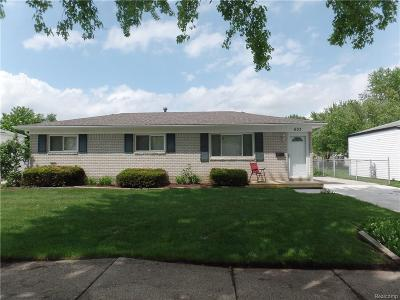 Westland Single Family Home For Sale: 633 S Marie St