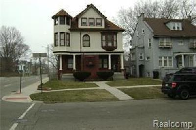 Detroit Single Family Home For Sale: 2405 Field St