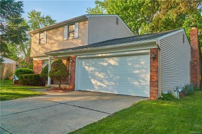 Livonia Single Family Home For Sale: 19238 Bainbridge Ave