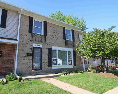 Belleville Condo/Townhouse For Sale: 13386 Lake Point Blvd