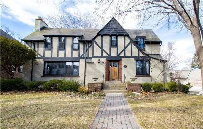 Grosse Pointe Park Single Family Home For Sale: 1387 Bishop Rd