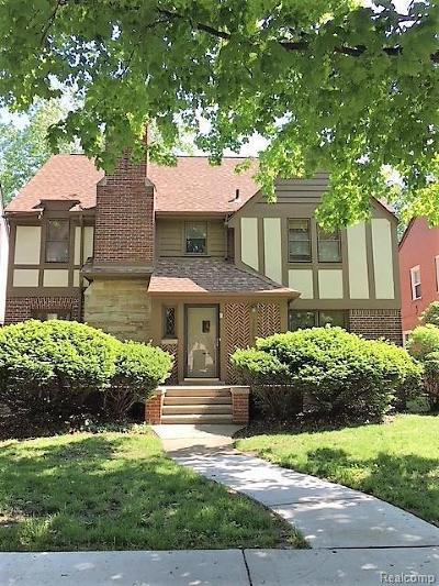Detroit Single Family Home For Sale: 19620 Roslyn Rd