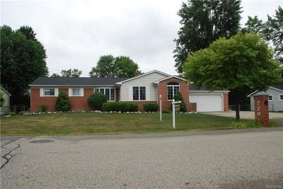 Troy Single Family Home For Sale: 720 Colebrook Dr