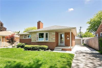Royal Oak Single Family Home For Sale: 2506 Linwood Ave