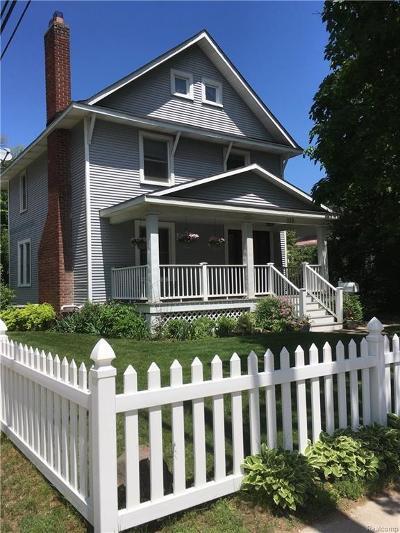 Royal Oak Single Family Home For Sale: 115 Rhode Island Ave