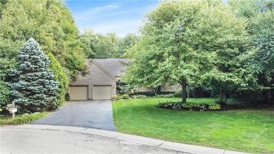 Bloomfield Hills Single Family Home For Sale: 1200 Foxwood Crt