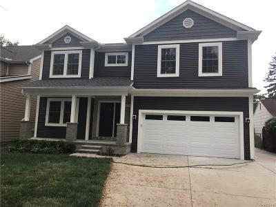 Royal Oak Single Family Home For Sale: 424 Linden Ave