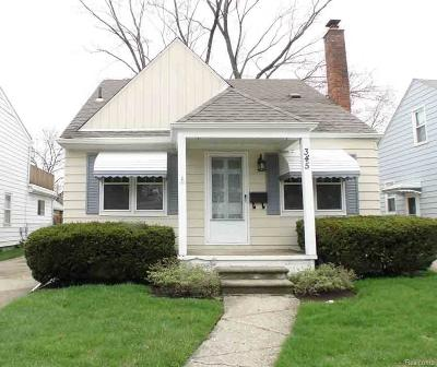 Clawson Single Family Home For Sale: 345 Bauman Ave