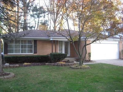 Southfield Single Family Home For Sale: 28950 Monterey Dr