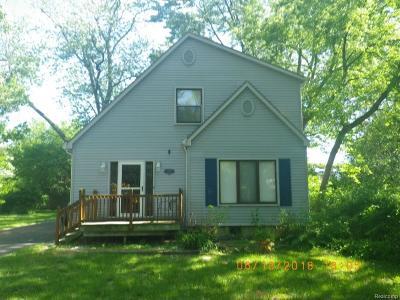 Southfield Single Family Home For Sale: 19151 Hilton Dr