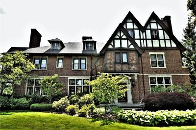 Grosse Pointe Park Single Family Home For Sale: 1007 Bishop Rd