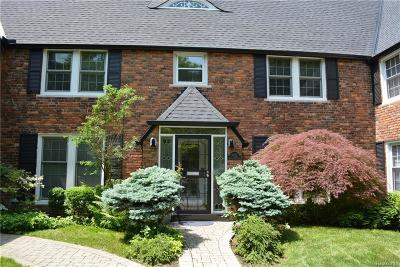 Grosse Pointe Condo/Townhouse For Sale: 403 Rivard Blvd