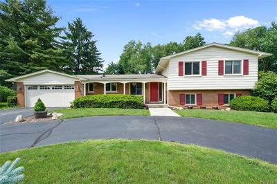 Bloomfield Hills Single Family Home For Sale: 3644 Darcy Dr